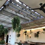 CAFE ARCA&CO. - 天井が高く、開放感もあり、おしゃれです