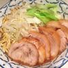 陸 - 料理写真:肉増しらーめん 大盛り 麺固め ¥1,000  二郎インスパイア系ですが、多少大人しめ。客筋は20〜40代男性がほとんど。スープがかなり塩分濃いので、薄めか野菜多めにしたら良かったです。