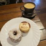 73273353 - 天才バカロン&パリブレスト、コーヒー
