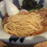 粋な一生 - 醤油、細麺が合う。