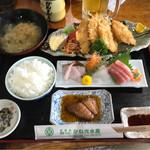 お食事処 かね光水産 - 料理写真:鯵フライ定食。