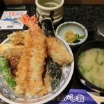 73279638 - 魚河岸天丼。1,058円