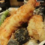 73279644 - 魚河岸天丼。1,058円