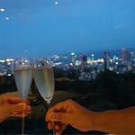 73280045 - シャンパンで乾杯