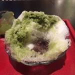 ちゃ大和園 - 緑茶(玉デラ)、中には白玉とあんこ♪