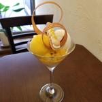 73284143 - 北海道ミルクと完熟マンゴーのパフェ