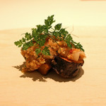 カンテサンス - 帆立貝とオオモミ茸 生落花生のソース