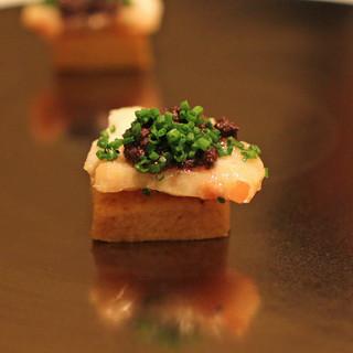 カンテサンス - 料理写真:黒岩地鶏のビスケット