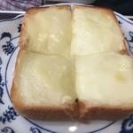 丸美珈琲店 - チーズトースト