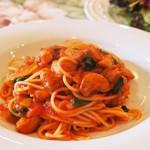 Cucina Italiana Pasta Piatto - トマトソースのパスタ