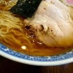 さぶろう - 「ザ・中華そば」 のルックス。到着から煮干しのかぐわしい香りが立ちます。