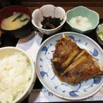 魚 めし処 川佳 - まぐろのあご肉塩焼セット ¥1,250