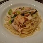 イタリア酒場 エントラータ - サーモンのクリームソーススパゲッティ