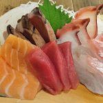 魚河岸 魚◯本店 - 魚河岸 魚〇本店 @有楽町 刺身定食の6種の刺身