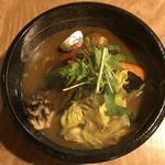 サッポロ スープカレー 浅野屋 - チキン野菜スープカレー辛さ3番、トッピングにかき。
