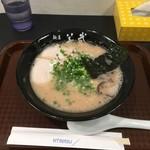 博多一双 - 豚骨ラーメン700円