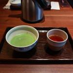 一保堂茶舗 喫茶室 嘉木 - 薄茶と煎り番茶