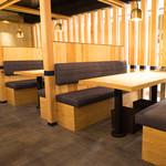 てつ鍋 カツを - 3テーブル限定の広々ボックスシート