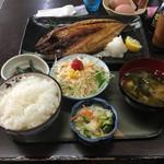 駅前一丁目二百十一番地酒場 - 焼き魚定食(鯖塩焼き)