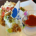 ドアラ カフェ - 沖縄キャンプで食べたタコライス