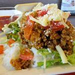 ドアラ カフェ - 沖縄キャンプで食べたタコライス(具材アップ)