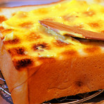 ペリカンカフェ - まずはバターをまんべんなく。