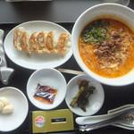 らーめん花月嵐 - 料理写真:鳴龍840円&餃子320円がクーポンで無料(2017.8.19)