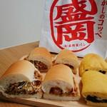 73318051 - 左から、じゃじゃ麺、チキン南ばん、南部一郎かぼちゃコッペのあんバター