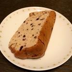 横浜シフォン - 料理写真:ブルーベリーシフォンケーキ