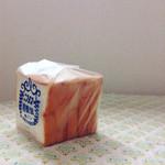 ニコラス精養堂 - 5枚切り・1斤160円は破格...!