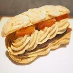 73320299 - ケーキ+カフェ 1026円 のパリ ブレスト ノワゼット オランジュ