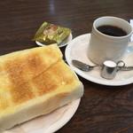 太陽 - 料理写真:ブレンドコーヒー380円とモーニング