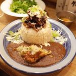 Mouyankare - もうやんスペシャルSET(1980円・外税)の肉肉カレーとパクチー別盛(200円・外税)