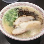 博多らーめん 濱田屋 - 博多らーめん(680円)