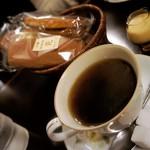 純喫茶 光 - 珈琲とカステラ