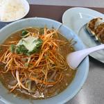 くるまやラーメン - 料理写真:ねぎみそラーメン 850円 餃子 350円 ライス 無料