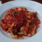 Trattoria L'arche - プリプリ小エビと色々キノコのピリ辛トマトソース