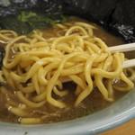 極楽汁麺 らすた - 麺アップ