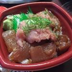 海鮮問屋 丼丸 放出店 - ヅケまぐろネギトロ丼(540円)