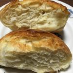 73332640 - 塩バターフランスの断面