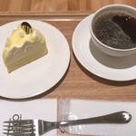 73332977 - ドゥーブルフロマージュ410円+セットコーヒー250円