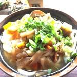谷川製麺所 - ナスビと大根がワンサカ入ってました^^