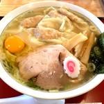 十二社 大勝軒 - 塩ワンタン麺(940円)+生玉子(50円)