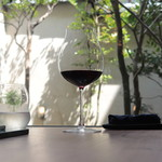 73344758 - 内庭も素敵です♪赤:Il Colle Rosso di Montalcino 2015/Toscanaともに