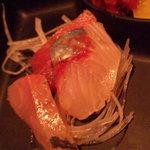 味のれんぱちぱち - お刺身(マグロ・ハマチ・鯛)です。