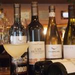 TOMOSHIBI - グラスワインの品ぞろえも豊富!