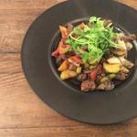 和sian-cafe aimaki - コース料理から、ラムとクミンの炒め物