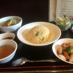 ドンシュー - 飲茶DXセット ➕蒸し鶏サラダ チャーハン、酢豚、スープ、サラダ、唐揚げ、シュウマイ