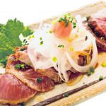 寿司酒場 スシイチ - 【酒のアテ】まぐろホホ肉のタタキ