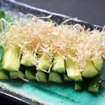 寿司酒場 スシイチ - 【おつまみ】叩き胡瓜の胡麻油和え